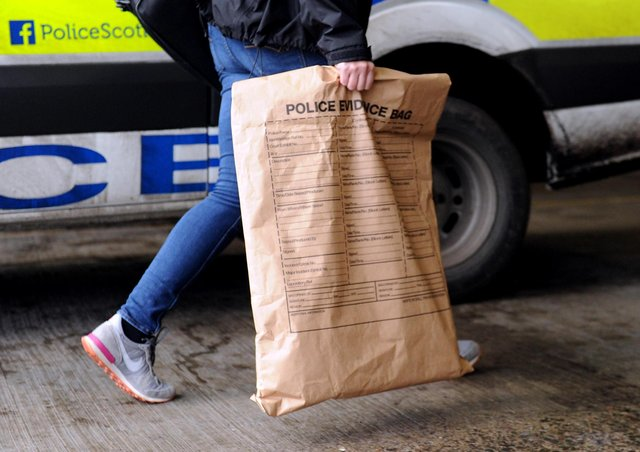 Police seized a number of packages of illegal drugs sent to the Western Isles.
