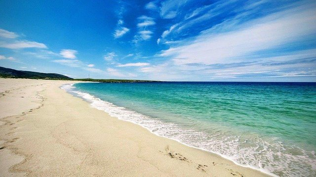 With beaches like this it's no wonder people are drawn to the islands.